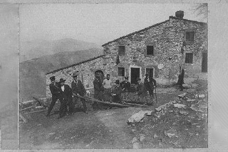 Casa Bastone vecchia foto in bianco e nero
