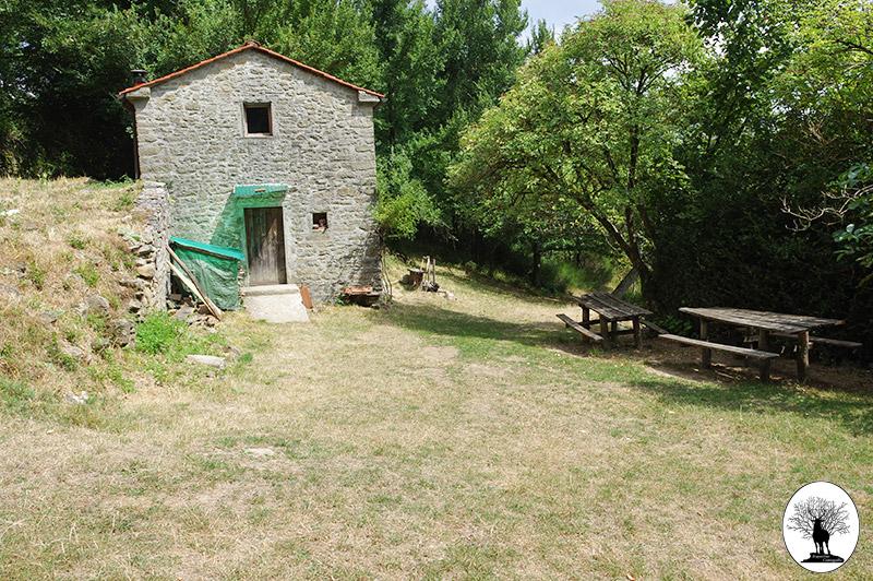 Bivacco Cerliano nella Riserva Naturale Acquerino Cantagallo
